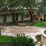 Common outdoor area at Lakeview Health